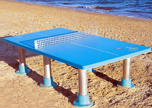 ping pong playa une table de ping pong pour jouer sur la plage ping pong. Black Bedroom Furniture Sets. Home Design Ideas